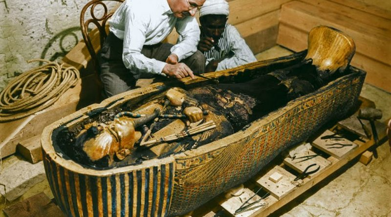 discovering_tutankhamun_in_color_2821_29.jpg